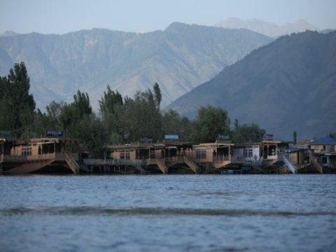 17f46mgg jammu and kashmir dal lake reuters 625x300 31 October 19
