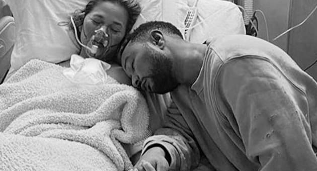 chrissy teigen and john legend in hospital