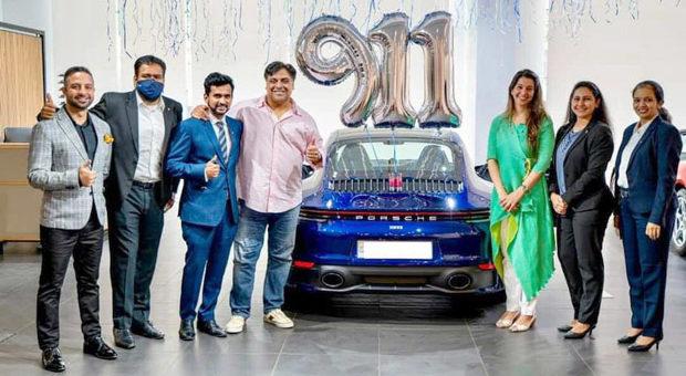 Ram Kapoor buys a swanky Porsche car worth Rs. 1.8 crore 2