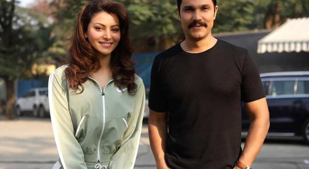 Set of Urvashi Rautela and Randeep Hooda starrer Inspector Avinash catches fire 1