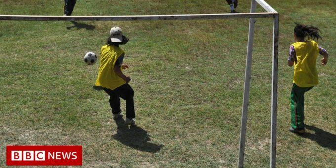 120574441 girlsfootball