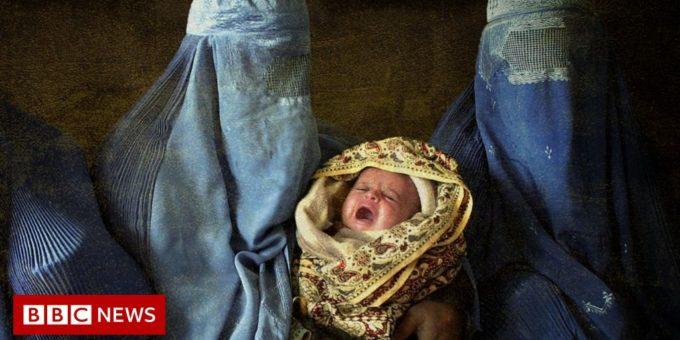 120577322 three women burka baby