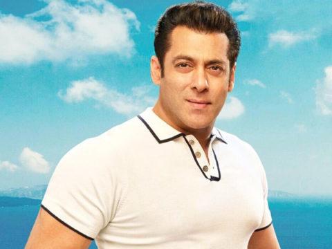 Salman Khans family prays for Aryan Khan 1